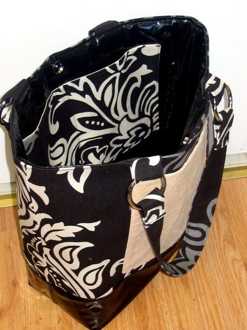 Shiny tote with velvet pocket